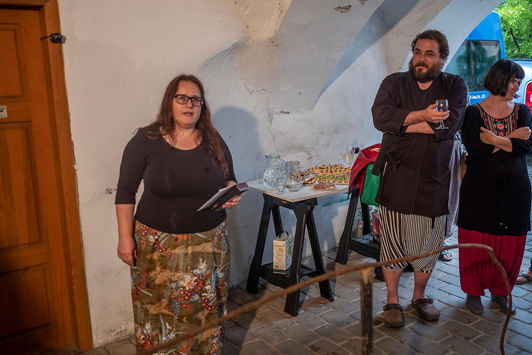 Autoři Robert Smolík a Radka Mizerová. Vernisáž Sympozia umění a odpad, odpad a umění I